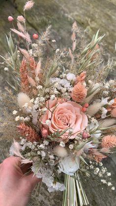Rustic Bouquet, Rustic Wedding Flowers, Wedding Flower Decorations, Romantic Flowers, Pretty Flowers, Floral Wedding, Flower Bouquet Diy, Floral Bouquets, Wedding Flower Bouquets