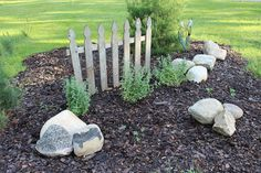 "How to make a garden bed say ""Welcome!"" to your guests."
