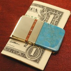 Mens Money Clip with inlays of turquoise and spiney oyster shell. Wonderful gift idea for men, graduations, fathers day, groomsmen gifts, birthdays. Money Clip Wallet, Money Clips, Gifts For Dad, Fathers Day Gifts, Christmas Gift For Dad, Groomsman Gifts, Unique Gifts, Birthday Gifts, Business Suits