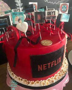 Cake cute for teens pretty ideas 14th Birthday Cakes, Bithday Cake, Birthday Cakes For Teens, Sweet 16 Birthday, Cool Birthday Cakes, Best Friend Birthday Cake, Birthday Ideas, Bolo Tumblr, Teen Cakes