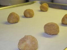 I admit, I love snickerdoodles.  Cinnamon and vanilla?  Yes, please.  What's funny is that I never really had them much as a kid, just...