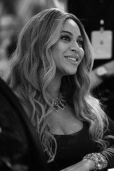 """""""Beyoncé attends The Weinstein Company's pre-Oscars dinner on February 25, 2017. """""""