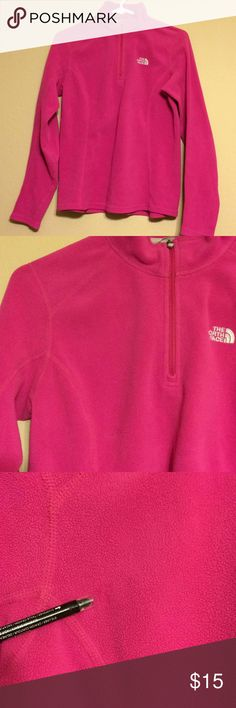 ⚡️last Call until fri 1/5 North face pullover North face pullover Bright pink color Size Small Preowned Used Condition Small scuff mark or some sort near right arm pit/chest area - not majorly noticeable from afar (reason for lower price) North Face Sweaters