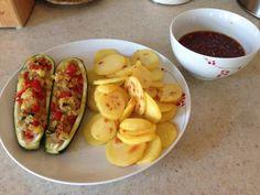 Vegan Stuffed Zucchini Stuffed Zucchini, Vegan Recipes, Vegetables, Food, Zucchini, Stuffed Marrow, Veggie Food, Vegetable Recipes, Meals