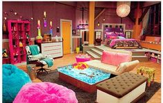 The icarly bedroom! It's so cool and I want it so bad!!