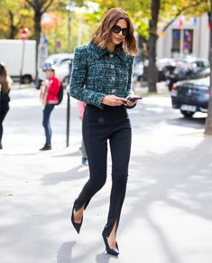Fashion Inspo: Street Style, Get The Look Black Leggings Outfit, How To Wear Leggings, Legging Outfits, Leggings Fashion, Tribal Leggings, Casual Outfits, Cute Outfits, Fashion Outfits, Ootd Fashion