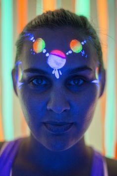 UV face paint at Blackout Yoga Dinner Club at The White Loft #yoga #hongkong #facepaint #uv #makeup