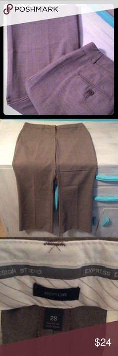 """Express size 2S brown slacks This is a size 2 short Express editor style brown slacks. Great condition. It measures 29"""" waist and 30"""" inseam. Receive a free gift when you spend $50 or more in my closet after offers and discounts and before shipping costs. Thank you for looking! Express Pants Trousers"""