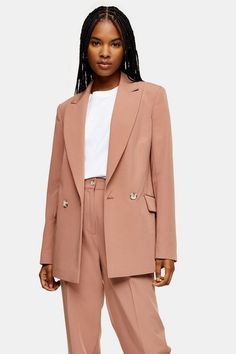 These pretty rose pink peg suit trousers are perfect for that office meeting or brunch with the girls. Look feminine yet totally smart with this elegant pair.<br /><br /><b>Model's height is and she wears a size Suit Fashion, Fashion Outfits, Topshop Style, Cream Tees, Trouser Suits, Tailored Trousers, Pretty Roses, College Outfits, Suits For Women