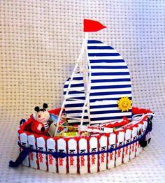 Torte aus Süßigkeiten geschenk-kind-kinderriegel-schiff-gestaltung