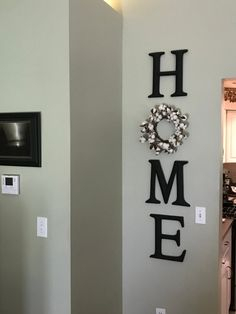 Are you looking for inspiration for farmhouse living room? Check this out for perfect farmhouse living room images. This amazing farmhouse living room ideas will look wonderful. Diy Home Decor Rustic, Easy Home Decor, Rustic Living Room Decor, Country Decor, Boho Decor, Farmhouse Homes, Farmhouse Decor, Modern Farmhouse, Farmhouse Interior