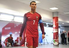 cristiano-ronaldo-of-portugal-walks-out-for-the-second-half-during-picture-id802726534 (594×414)