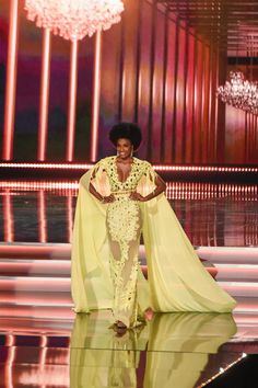 Photo of Miss Jamaica Davina Bennett Wears Afro at Miss Universe 2017 Planet Hollywood, Afro Hairstyles, Yellow Dress, Jamaica, Pageant, Photo Galleries, Universe, Sari, Hair Styles