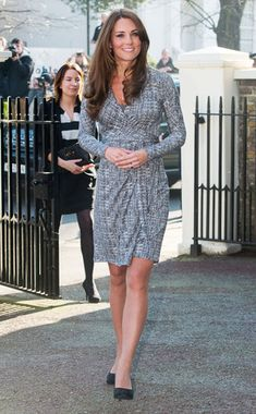Love Kate Middleton and her classy pregnancy style! Check out our maternity dress options for a similar look. tummystyle.com