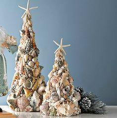Seashell Christmas Tree for Christmas at the beach house - Muszelki - craft Beach Christmas Trees, Nautical Christmas, Tropical Christmas, Christmas Fun, Christmas Decorations, Christmas Ornaments, Thanksgiving Holiday, Driftwood Christmas Tree, Coastal Christmas Decor