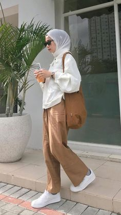 Hijab Outfit, Parachute Pants, Normcore, Ootd, Outfits, Style, Fashion, Swag, Moda