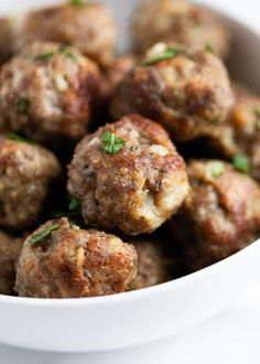 These are the best oven baked meatballs! So easy to make, juicy and flavorful. T… These are the best oven baked meatballs! So easy to make, juicy and flavorful. They're perfect for appetizers, meatballs subs or on top of spaghetti. Beef Meatball Recipe, Meatball Bake, Meatball Subs, Homemade Meatball Recipes, Easy Homemade Meatballs, Best Baked Meatball Recipe, Meatball Appetizers, Homemade Bolognese, Gourmet