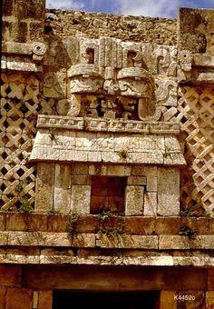 Uxmal Tikal, Maya Architecture, Inca, Environment Concept Art, Old Buildings, Native American Art, Close Image, Archaeology, Arrow Keys