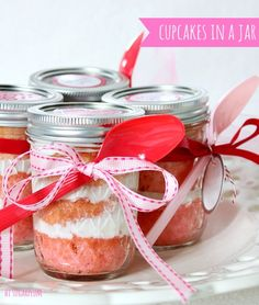 Hi Sugarplum | Simple Cupcakes in a Jar
