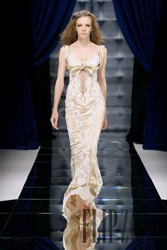 Zuhair Murad Automne-hiver 2010-2011 - Haute couture - http://fr.flip-zone.com/zuhair-murad-1854