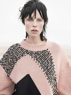 Les plus belles coiffures de Damien Boissinot dans Vogue Paris : Edie Campbell photographiée par Karim Sadli