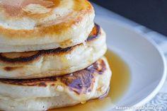 Les pancakes moelleux recouverts de sirops d'érable