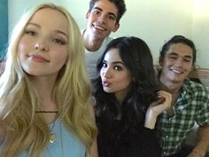 But look at this babies , it was Pd : why Booboo doesn't change? mal evie carlos jay descendants disney disneychannel news auradon sofiacarson dovecameron cameronboyce booboostewart outfits 2019 summer Disney Channel Descendants, Descendants Cast, Sofia Carson, Kathy Najimy, Mal And Evie, Booboo Stewart, Disney Channel Original, Nickelodeon Shows, Disney Shows