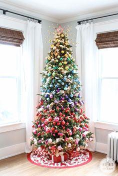 I'm loving this colorful yet classy Christmas tree