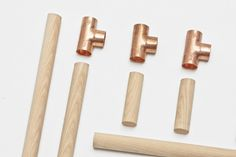 I do it myself jorge de la cruz + vernaza gonzenbach: candelabro candlestick with 3 wooden candles a Furniture Projects, Wood Projects, Diy Furniture, Woodworking Projects, Wood Crafts, Diy And Crafts, Turbulence Deco, Wood Joints, Boutique Interior