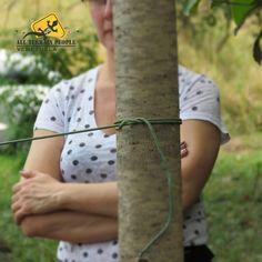 #Paracord es como se denomina a un tipo de cuerda de nylon de unos 4mm que inicialmente se usaba en el cordaje de los paracaídas del ejército estadounidense durante la Segunda Guerra Mundial.  Esta cuerda se hizo popular gracias a su gran resistencia y escaso peso. 💛💙❤️ 📷 by @lilygarcesdesign #AllTerrainPeopleVenezuela 🌅 #venezuelatequiero #trekking #mochileros #extremo #igersvenezuela #naturaleza #gopro #aventura #ecoturismo #deportesextremos #venezuela #extremesports #adventure #travel