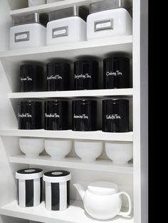 キッチンの収納(調味料・お茶・掃除道具) - シンプルモダンインテリア? - Yahoo!ブログ