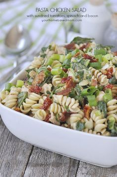PASTA CHICKEN SALAD WITH SUN-DRIED TOMATOES, SPINACH AND BACON