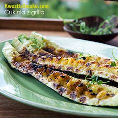 Grilled zucchini with garlic marinade - Recipe Grilled Zucchini, Calzone, Barbecue, Side Dishes, Food And Drink, Nutrition, Vegan, Vegetables, Cooking