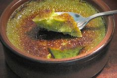 Crème brûlée à la pistache Flan Dessert, Dessert Recipes, French Cooking Recipes, Cream Brulee, Thermomix Desserts, Sweet Home, Healthy Cooking, Sweet Recipes, Pesto