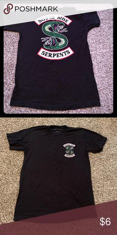 Shop Men's Hot Topic Black Green size S Tees - Short Sleeve at a discounted price at Poshmark. Great used condition. Riverdale Shirts, Hot Topic Shirts, Tee Shirts, Tees, Hot Guys, Man Shop, Sleeve, Mens Tops, Black