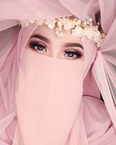 Muslimah Wedding Dress, Disney Wedding Dresses, Muslim Brides, Wedding Hijab, Muslim Dress, Pakistani Wedding Dresses, Hijab Bride, Muslim Hijab, Muslim Couples