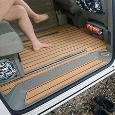 Wohnraummatte ALLESANDECK You are in the right place about vanlife hippie Here we offer you the most beautiful pictures about the vanlife ideen you are looking for. When you examine the Wohnraummatte ALLESANDECK part of … Vw Camper, Sprinter Camper, Custom Car Interior, Truck Interior, Vw T5, Caravelle T5, Vw California Beach, Living Room Mats, Living Area