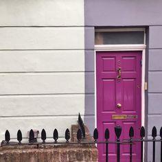 Puertas bonitas para celebrar que es domingo... .. Aquí nublado aunque nos hemos ido de paseo... Cómo va el vuestro? .. #midomingoes #neighborhoodnumbers #ihavethisthingwithdoors #thisislondon #londonbyparafernalia