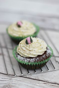 Chocolate Cherry Cupcake With Pistachio Icing - ET Speaks From Home