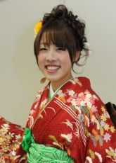 レンタル,振袖髪型,2014京都24 ふりそで美女スタイル〜振袖BeautyStyle〜 成人式会場で見つけたふりそで美女の写真ギャラリーです。振袖をレンタルする際や髪型や着付けなどで困ったらまずはチェック! http://www.furisode.gr.jp/