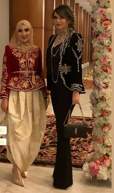 Couture Dresses, Fashion Dresses, Shadi Dresses, Modern Hijab Fashion, Hijab Trends, Caftan Dress, Classy Outfits, Traditional Dresses, Indian Outfits