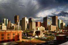 Denver is nicknamed Mile High City due to the fact it is exactly one mile above sea level (I mean, how convenient is that?) making it one of the highest cities in the United States. The city comes with a seriously stunning backdrop of Rocky Mountains to the west of it and High Plains to its east, si