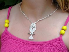 that artist woman: Macrame Owl Necklaces..tutorial for making!