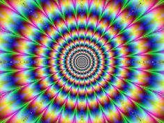 その1 オレンジの円は同じ大きさです。 その2 渦巻きではありません。 その3 横線は平行です。 その4 小さな正方形が見える? その5 動いて、、、ませんね? その6 絵のどこかにもう一ぴきのキリンがいますね。 その7 真ん中の黒い点をじっとみつめてから、、、 白黒の写真でしたよね? その8 彼女�