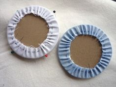 Circular padded ornament tutorial. Excellent blog with many types of ornament tutorials.