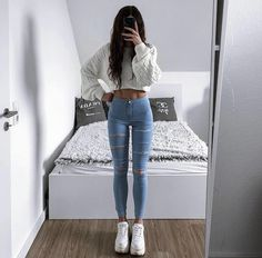 Teen Fashion Outfits, Mode Outfits, Outfits For Teens, Trendy Outfits, Girl Outfits, Fashion Women, Cute Comfy Outfits, Teenager Outfits, Aesthetic Clothes