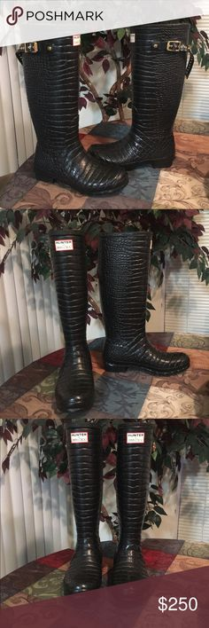Hunter & Jimmy Choo Wellington Croc Rain Boots 9 These rubber rain boots are lined with animal print soft fabric.  They were worn once and they are still in excellent condition. Jimmy Choo Shoes Winter & Rain Boots