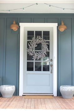 ideas for blue front door colors benjamin moore house beautiful Front Door Trims, Green Front Doors, Exterior Front Doors, Front Door Colors, Front Door Decor, Front Porch, Front Door Lighting, Exterior Shutters, Exterior Paint Colors