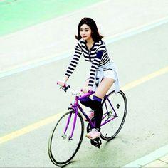 Fixie girl Korea fixie girl korea  http://fixedgeargirltaiwan.blogspot.tw/2013/05/fixie-girl-korea.html