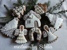 Gingerbread House Designs, Creative Lettering, Christmas Cupcakes, Icing, Biscuits, Food Ideas, Foods, Deco, Cookies